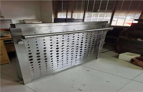 佳木斯桥梁护栏立柱制造实体护栏厂家