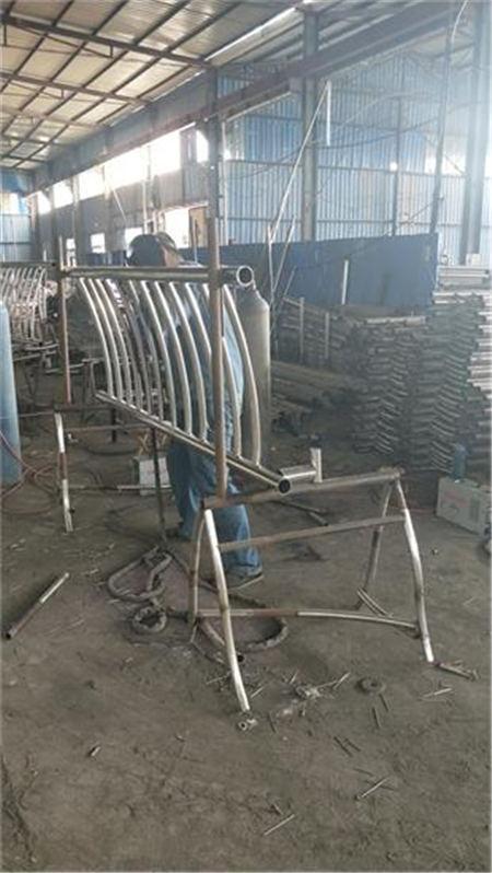 安康不锈钢复合管护栏厂家来图定做