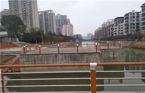 山东不锈钢复合管桥梁立柱