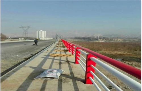 安康天桥不锈钢护栏杆稳定牢固