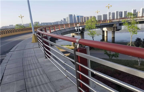 安康城市建设人行道护栏质量
