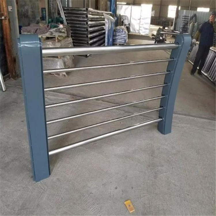 山东201不锈钢碳素钢复合管规格尺寸