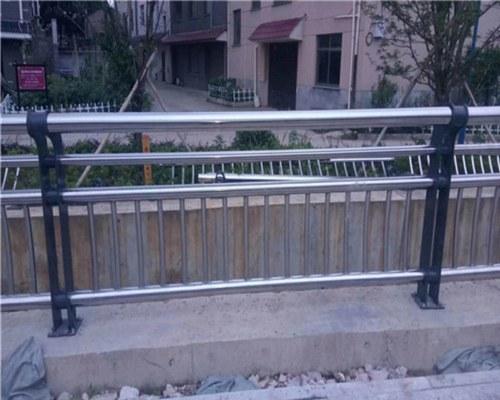 山东桥梁景观不锈钢栏杆新闻
