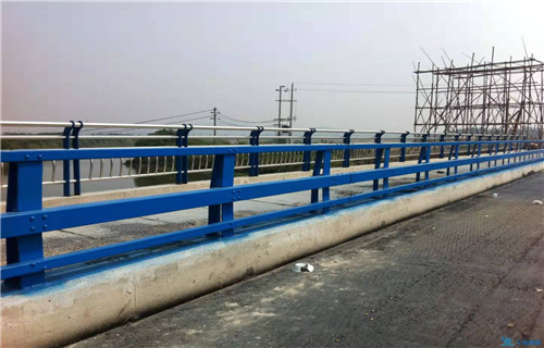 德州大桥中央防撞护栏加工定制