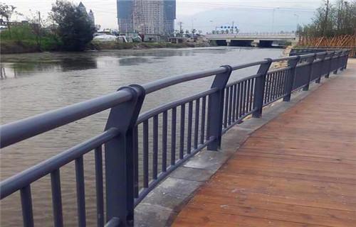 汉中Q355C钢板防撞护栏哪家价格便宜