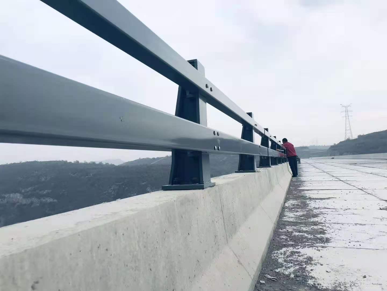安装:济南316不锈钢天桥栏杆免费出施工方案