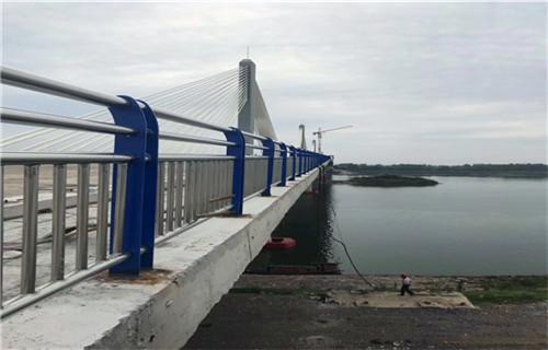 3月份河源304不锈钢复合管护栏力量雄厚