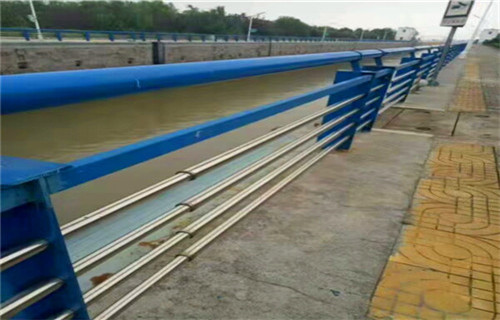 3月份天水不锈钢防撞护栏定尺