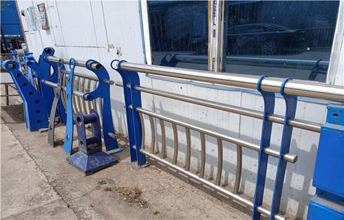 济南304不锈钢复合管桥梁栏杆批发厂家