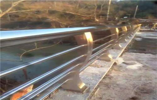 3月份河源不锈钢道路护栏图片价格效果图