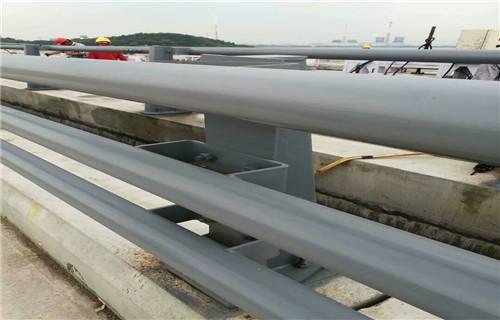 山东济南102*3不锈钢复合管桥梁护栏专业实力值得信赖