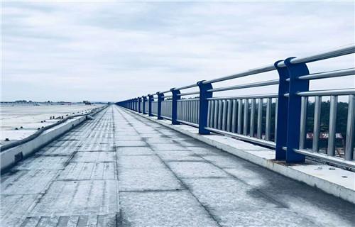 江西吉安89*3不锈钢复合管栏杆闪电发货