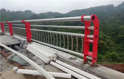 天水桥梁复合管护栏公司做工细致