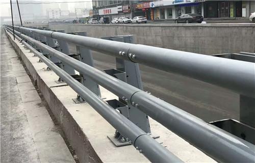 内江不锈钢复合管桥梁防撞护栏力量雄厚