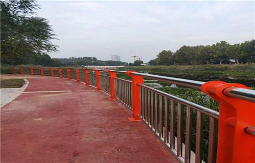 山东济南桥梁护栏防撞立柱造型图片