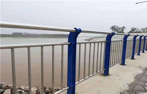 四川泸州89*3不锈钢复合管栏杆专业实力值得信赖