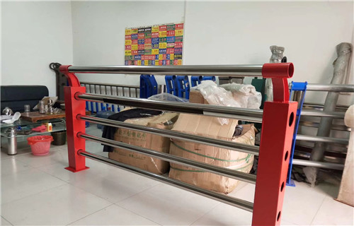 济南不锈钢复合管栏杆多少钱安装