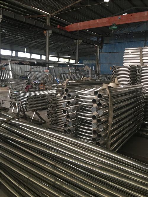 果洛不锈钢/碳素复合管低廉坚固