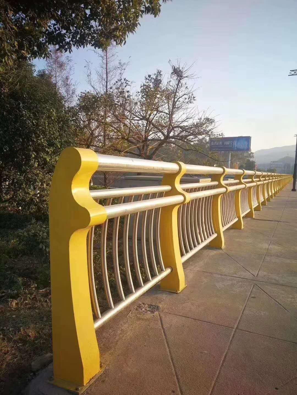 德州不锈钢桥梁栏杆是您首选