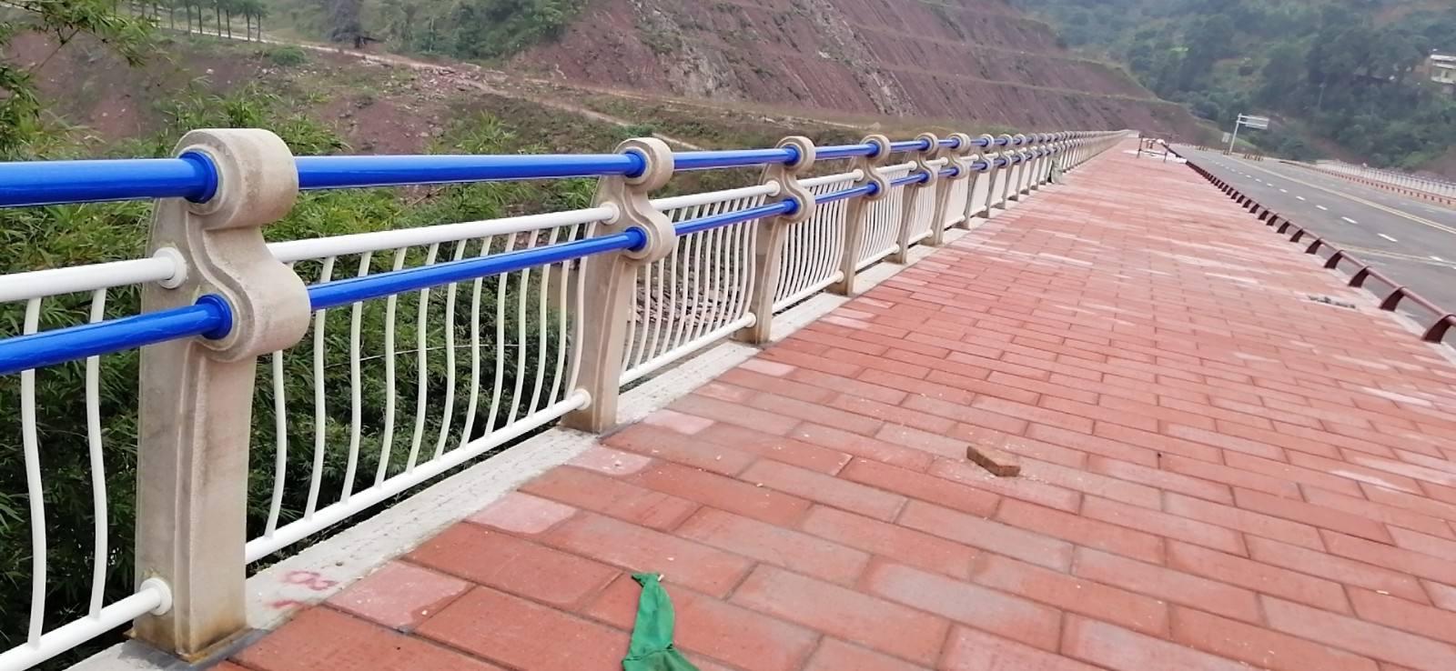 济南桥梁护栏立柱随定随发