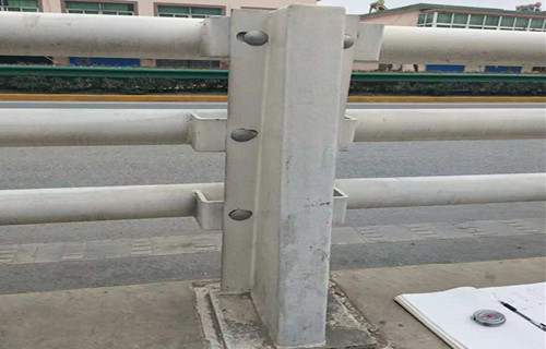 平顶山不锈钢复合管栏杆厂家价格