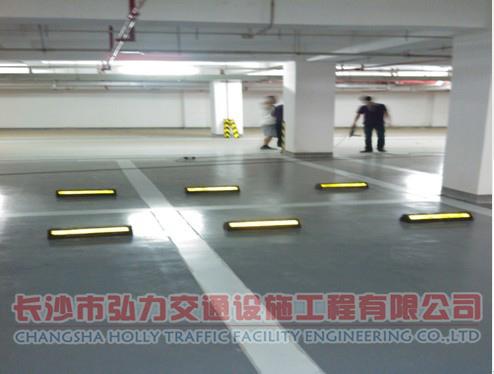 停车场设施厂家地坪漆施工